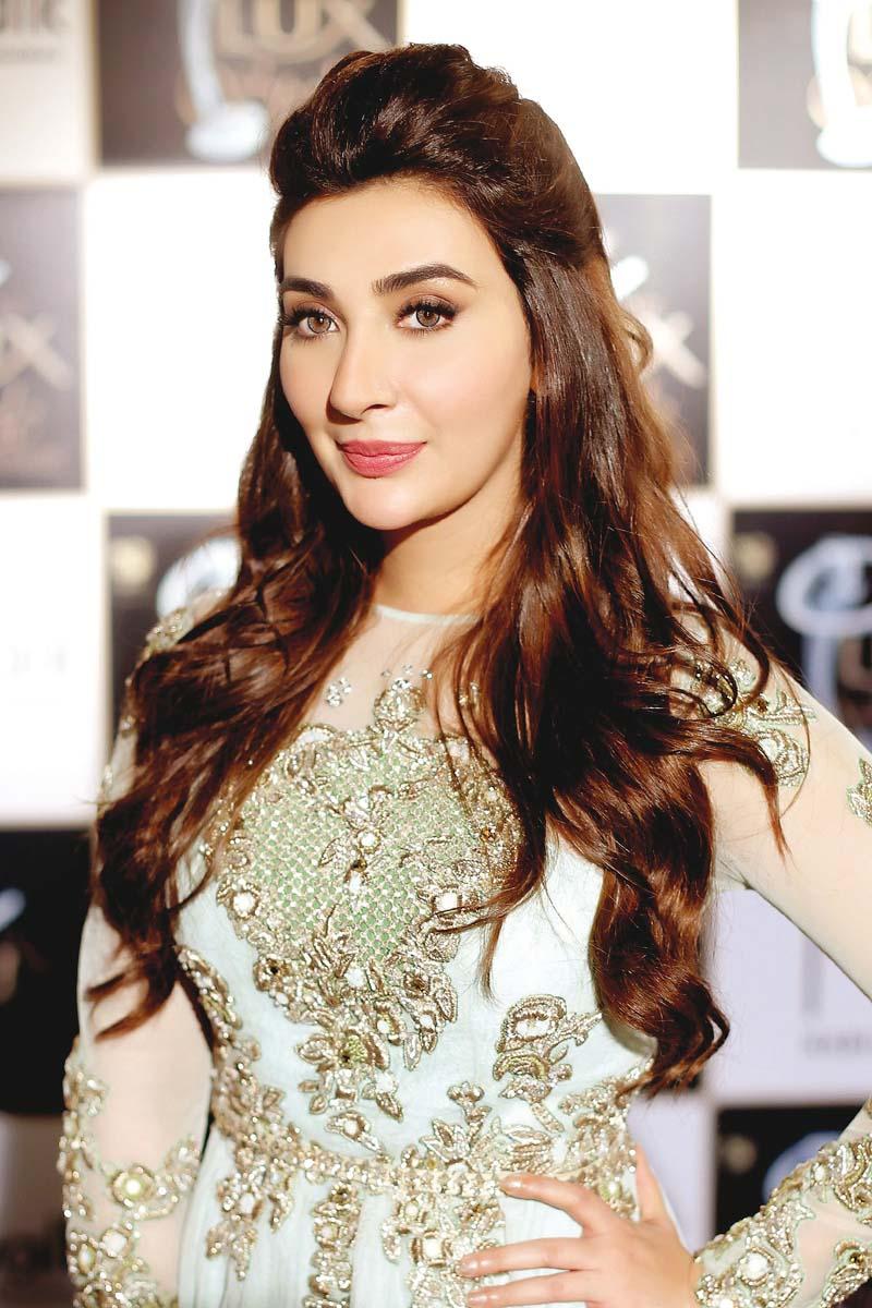 my life doesn t revolve around jeena aisha khan