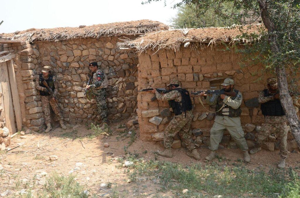 khyber iii six terrorists killed in fresh offensive