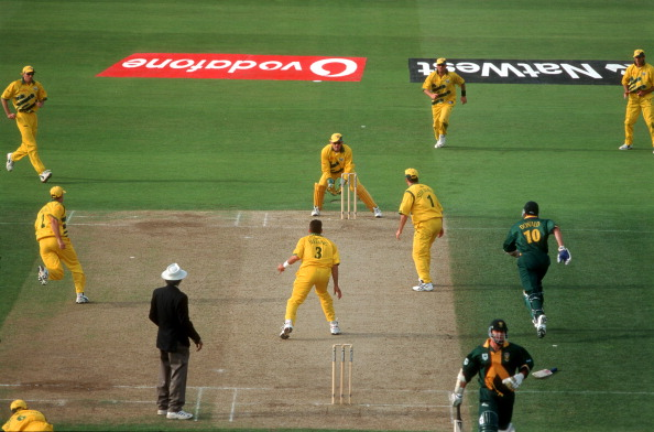 remember the fielders involved in this run out allan donald does