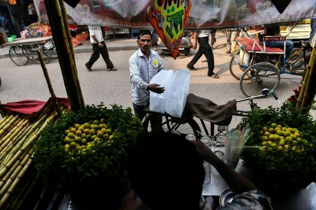 mci set to regularise street vendors