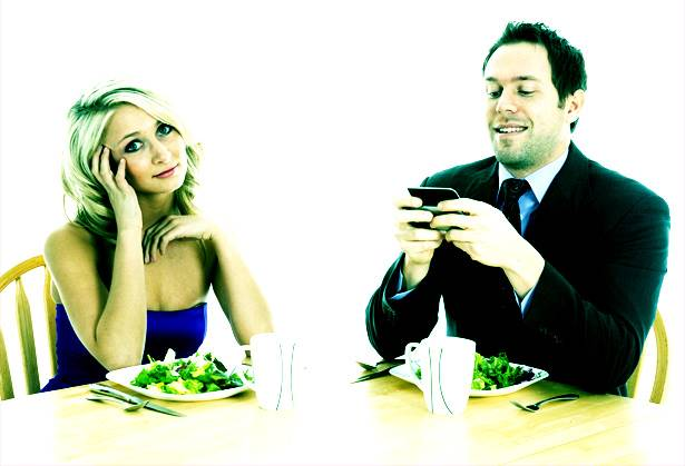 10 signs you are in a serious relationship with your phone