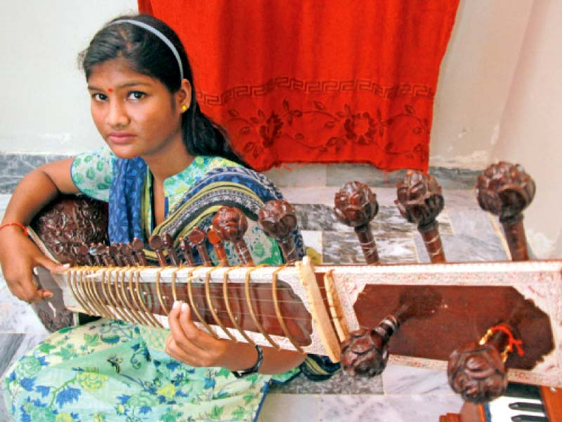 a passionate student meet one of the youngest female sitar players of pakistan