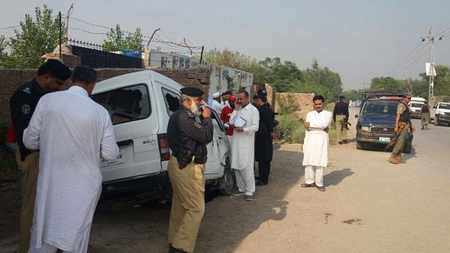 three men gunned down in peshawar attack