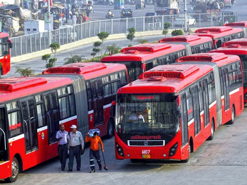 200 buses for lahore reach karachi