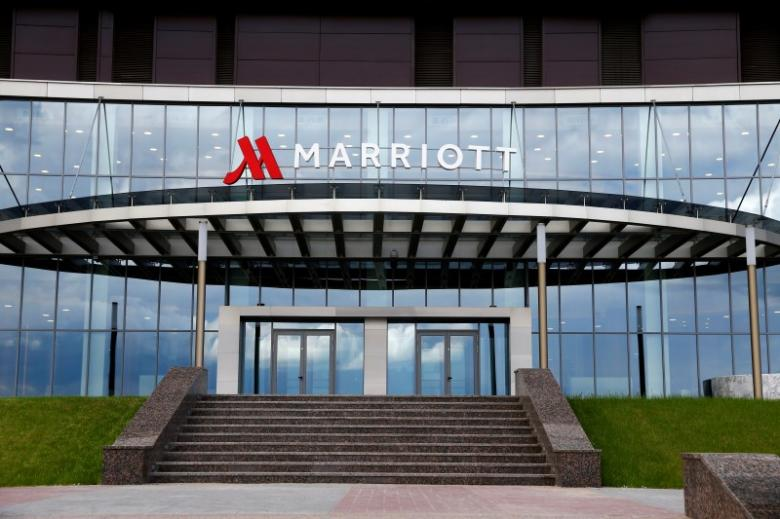 marriott s starwood purchase makes largest hotel chain