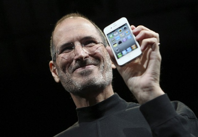 apple still a star without steve jobs but doubts linger