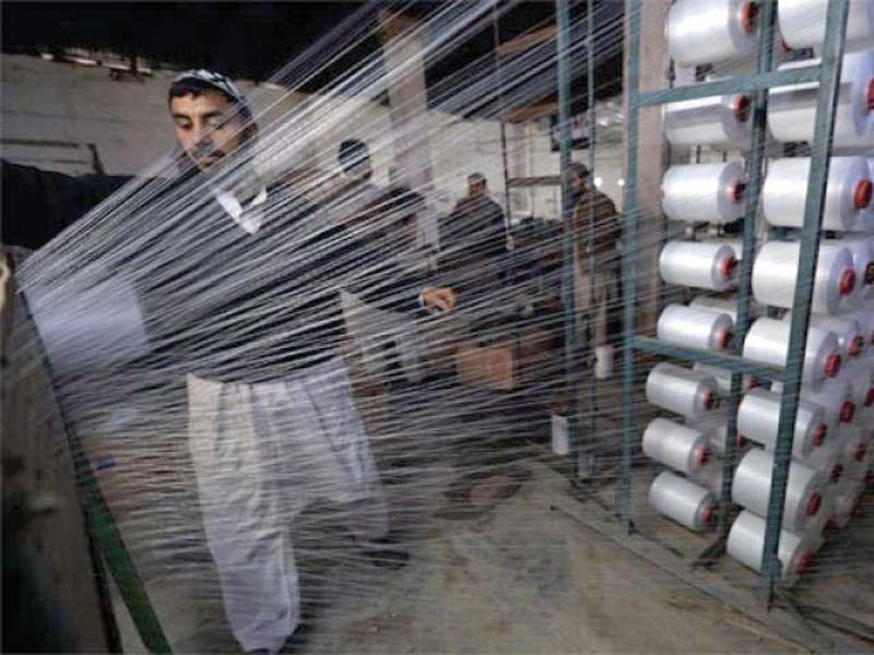 80 textile workers do not use safety precautions