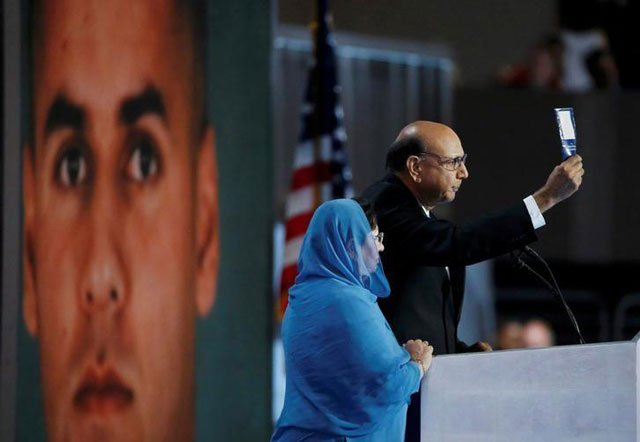 father of pakistani american war hero attacks trump s comment at debate