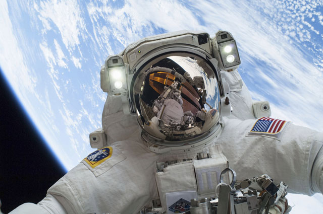 here s what can happen to the human brain in space