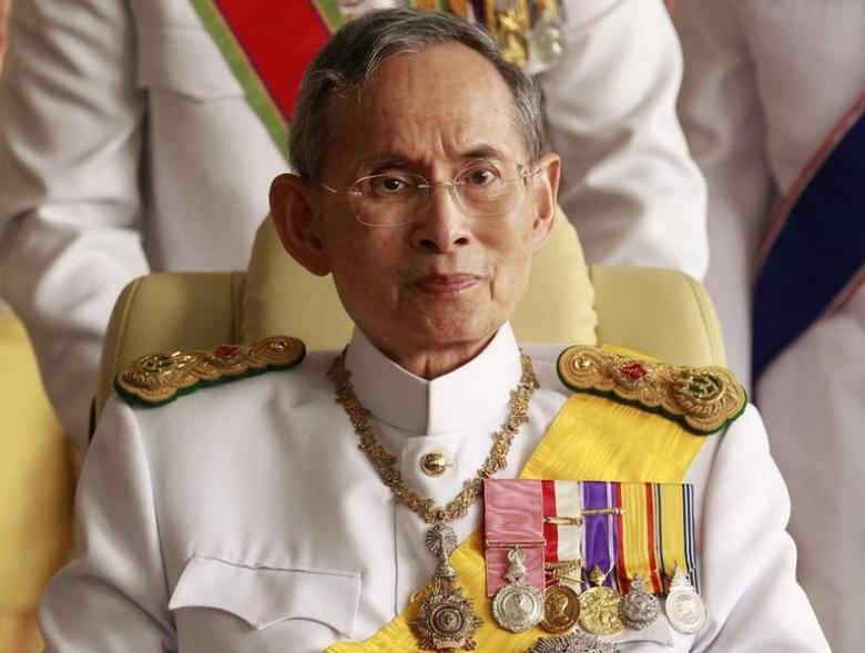 thai king bhumibol world s longest reigning monarch dies