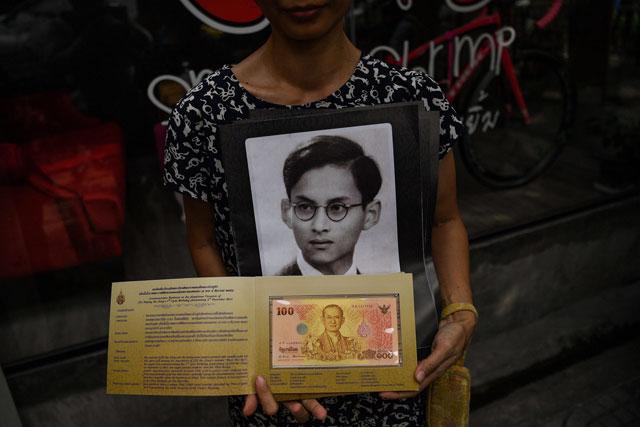 thai minister urges social sanctions for critics of royals critics