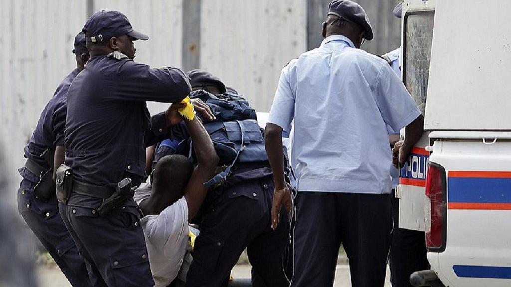8 dead in angola concert stampede