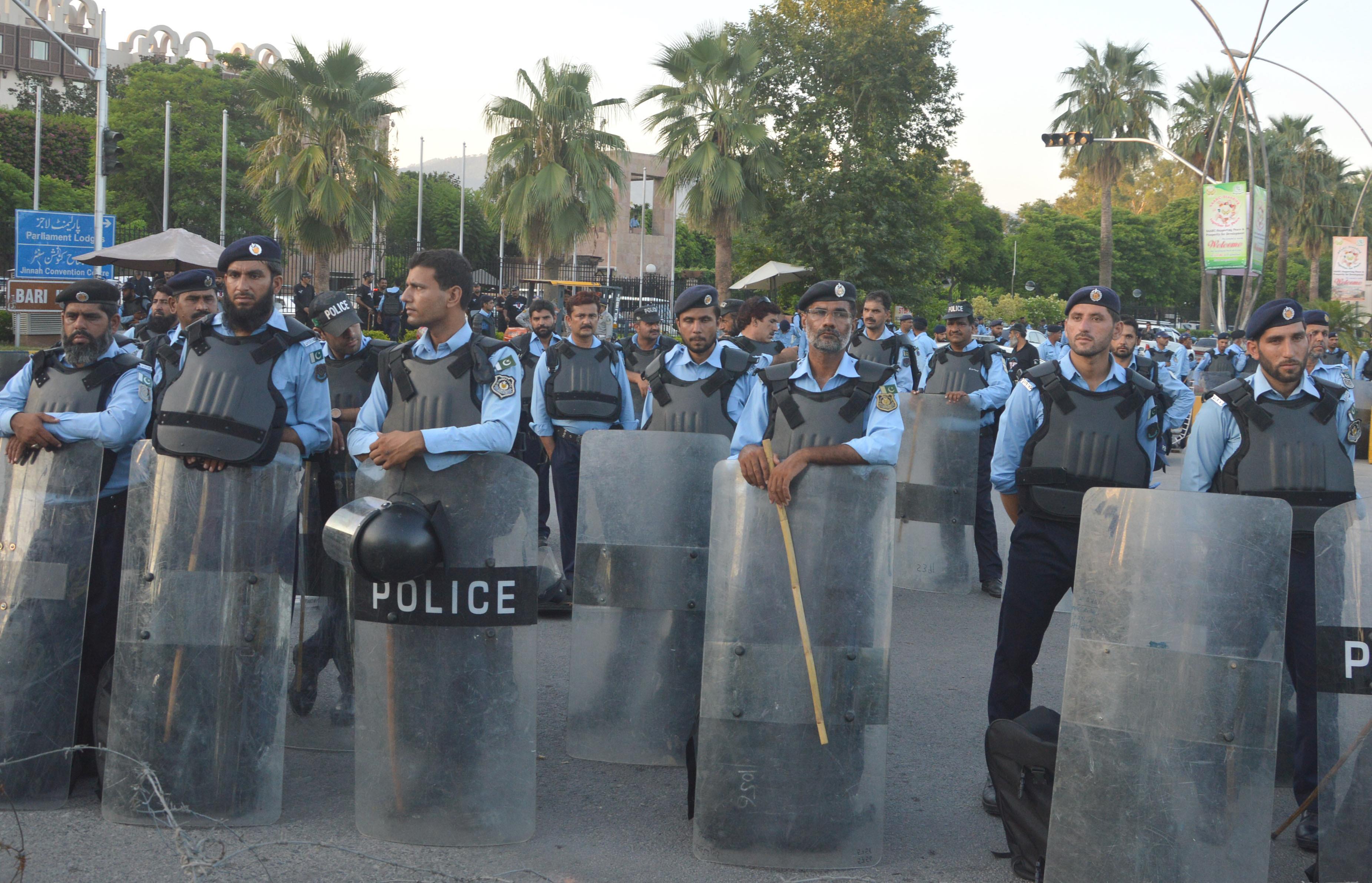 charging kidney traffickers police await response from punjab health secretary