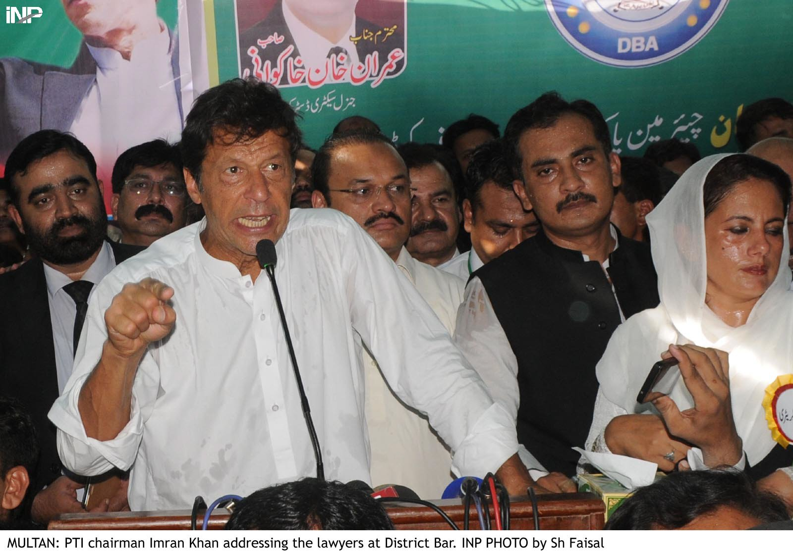 Only judiciary can restrain the rulers from their corrupt practices, PTI chairman addresses IHC bar. PHOTO: INP/FILE
