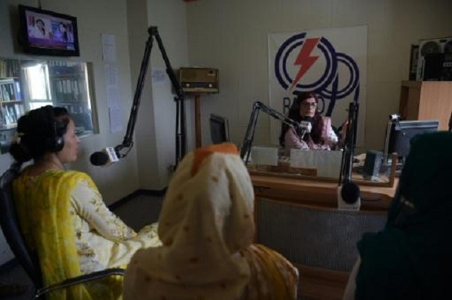 pakistan radio show confronts endemic ogling of women