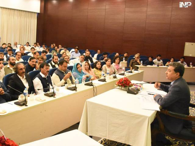committees to resolve traders issues