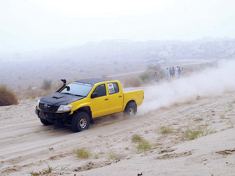 three day rally ends souped up jeeps bring thal desert to life
