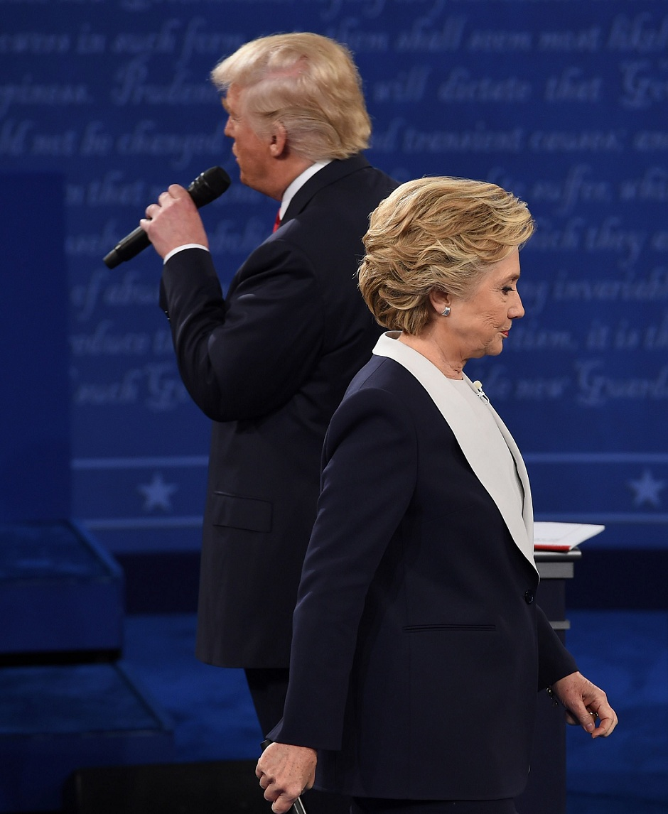 clinton slams trump over comments over islamic state offensive photo afp