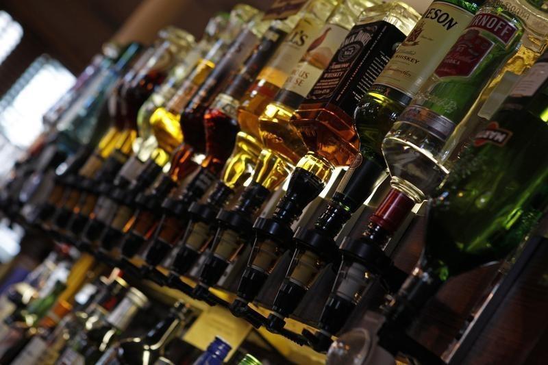 sindh alcohol sellers challenge shc ban