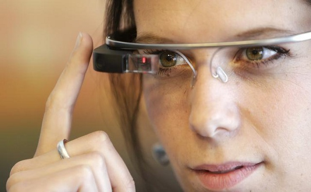 apple considering expansion into wearable glasses bloomberg