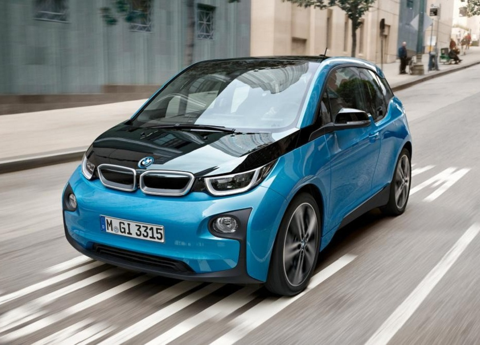 the i3 will feature a new battery to increase its range substantially beyond the current 300 km maximum photo bmw