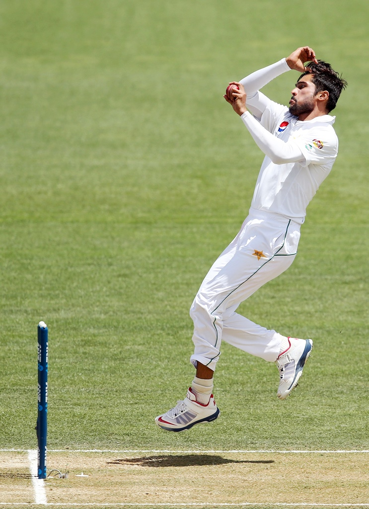 Amir says it is difficult to keep a count of dropped catches. PHOTO: AFP