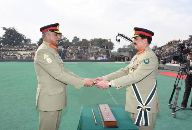 general raheel sharif passes the baton of command to gen bajwa photo ispr