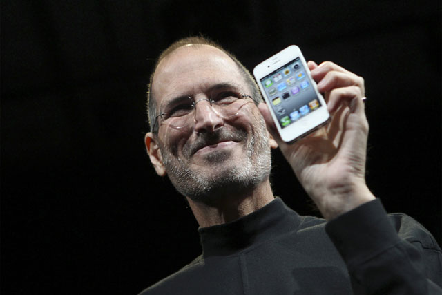 move to name street after steve jobs shakes paris suburb to the core