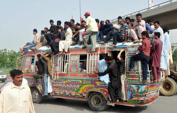 the price karachi pays for its inefficient public transport system