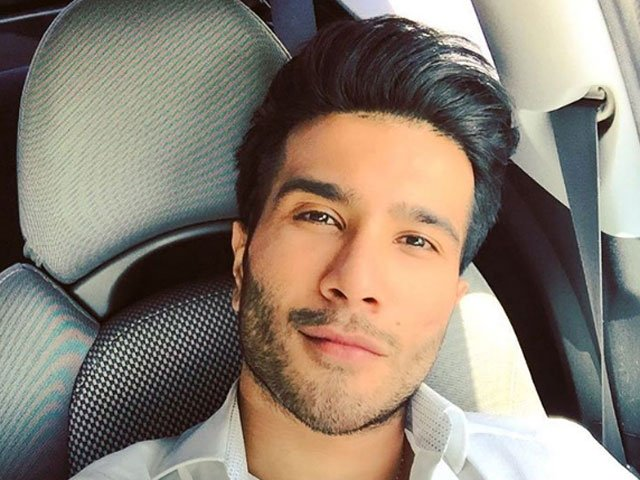 feroze khan perfectly shuts down instagram followers over inappropriate picture