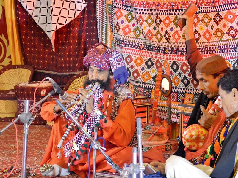 interactive sessions sukkur iba concludes conference with culture night