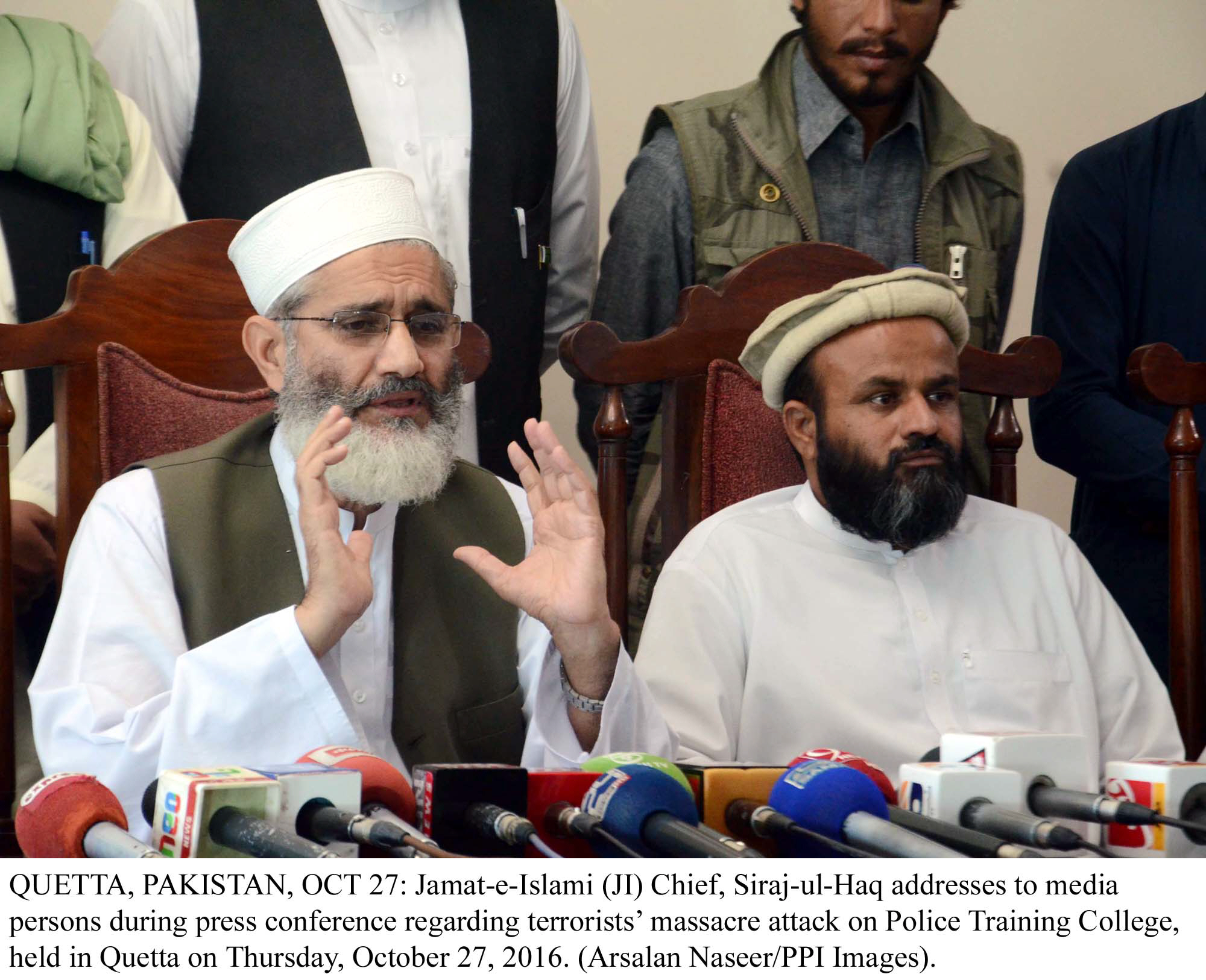 hollow promises siraj says pml n failed to deliver