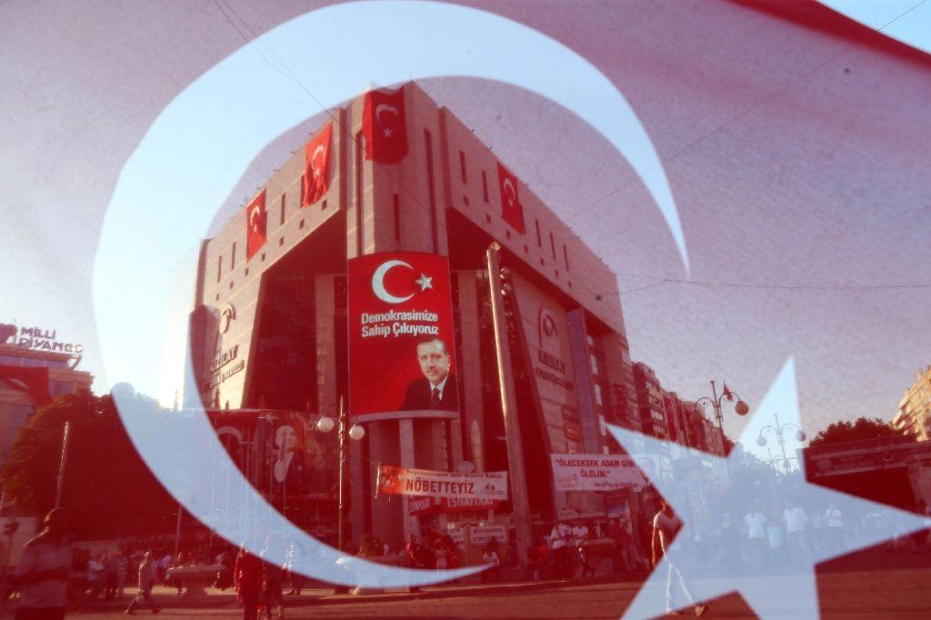 turkey probing 10 000 people over online terror activity