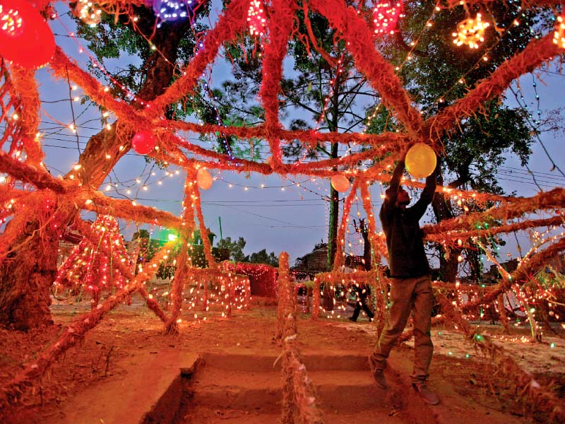 season to be jolly twin cities gear up for christmas