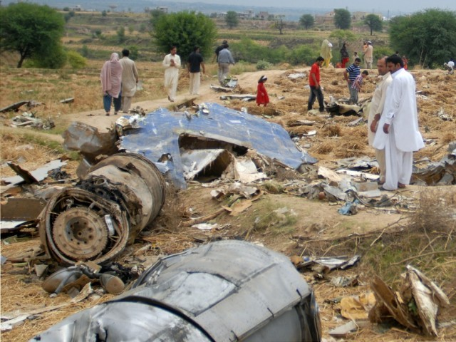 bhoja air 2012 crash victims heirs to file criminal case against airline caa