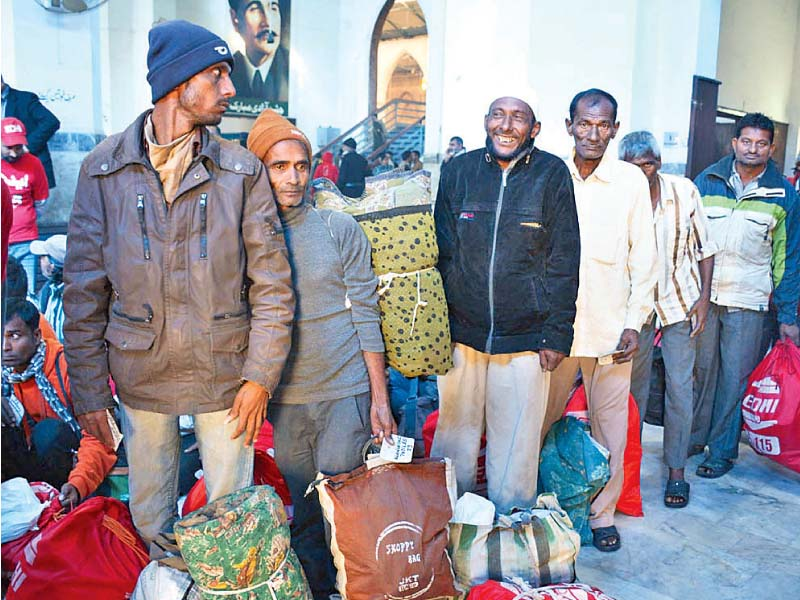 freed at last 220 indian fishermen return home via wagah