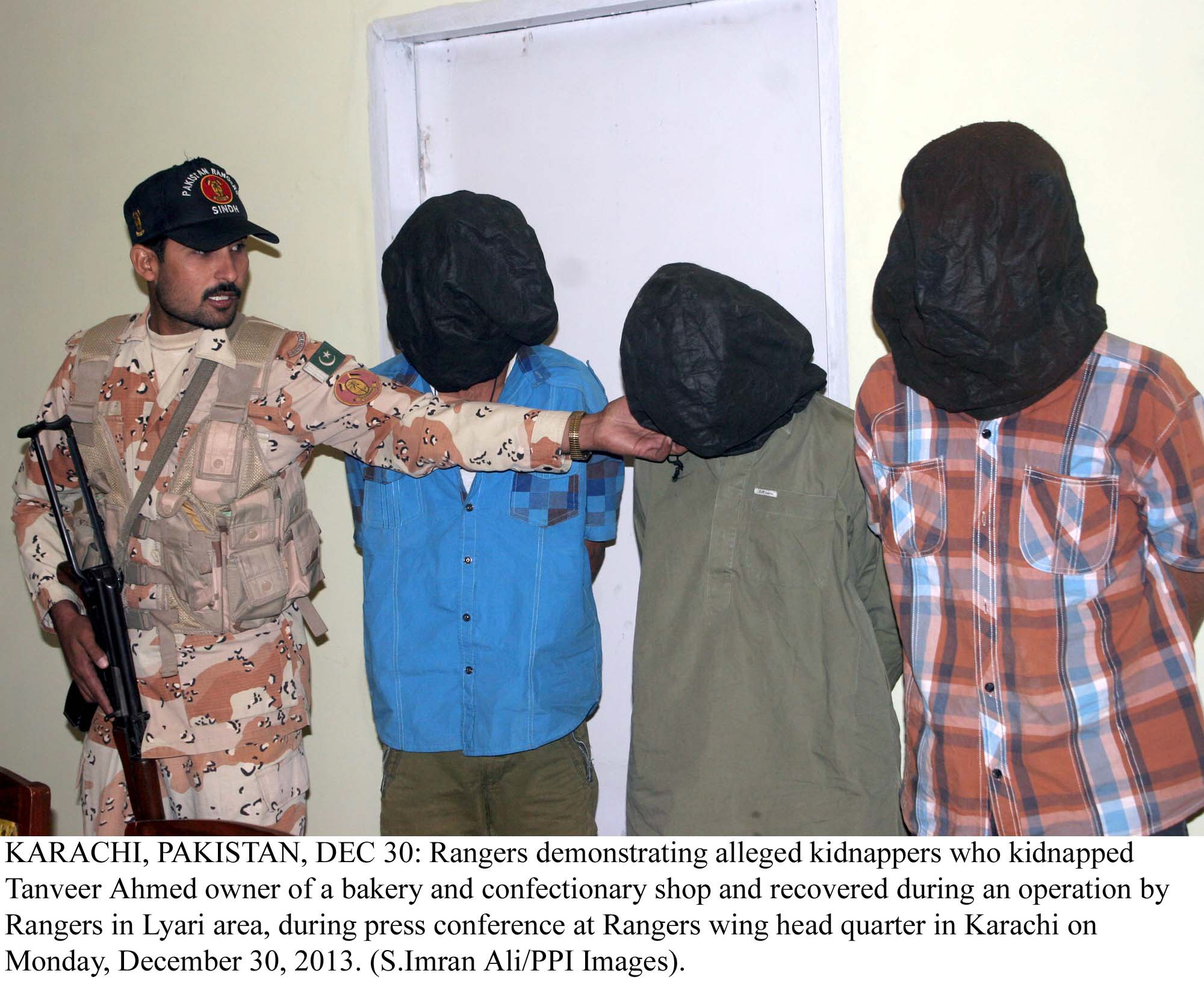 following orders two criminals arrested in sukkur