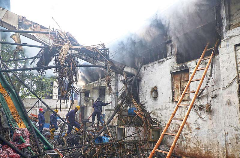 inferno fire erupts at snack manufacturing unit