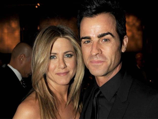jennifer aniston justin theroux to go on a vacation to save marriage