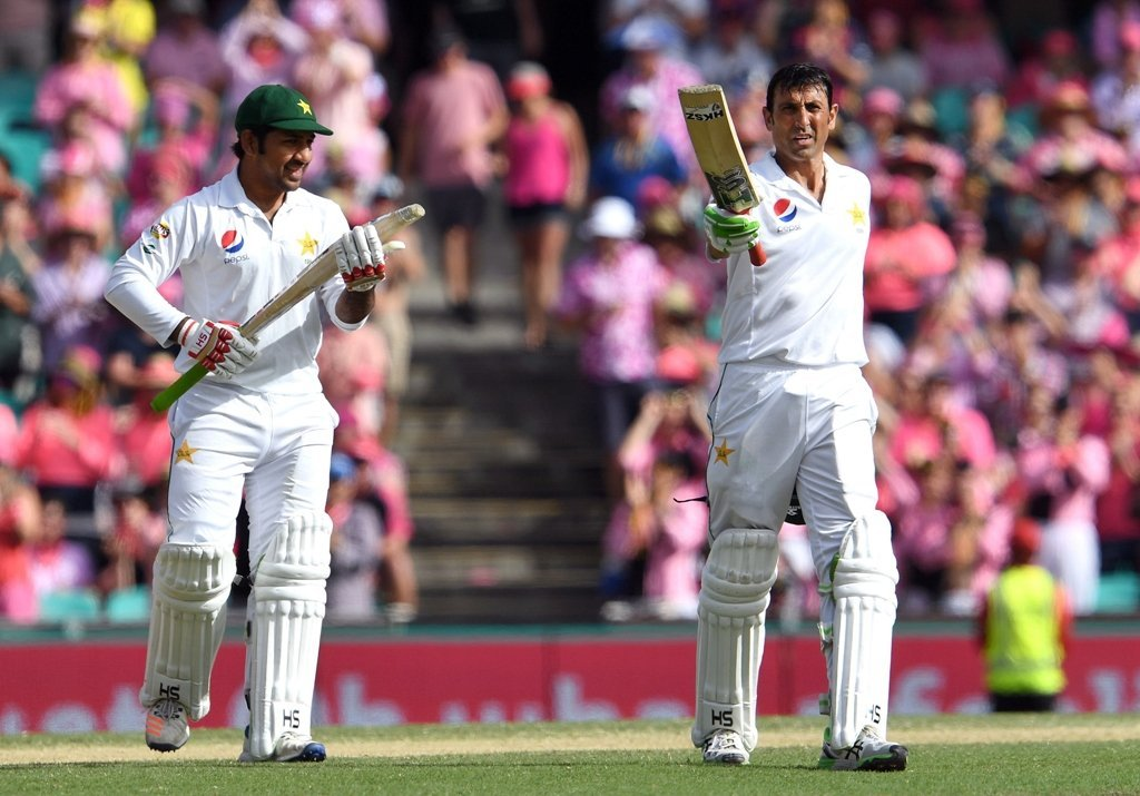 younus khan to donate 10 000 run bat to a special cause
