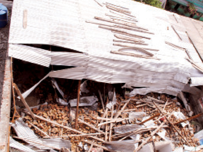 unfortunate event two labourers killed as classroom roof caves in