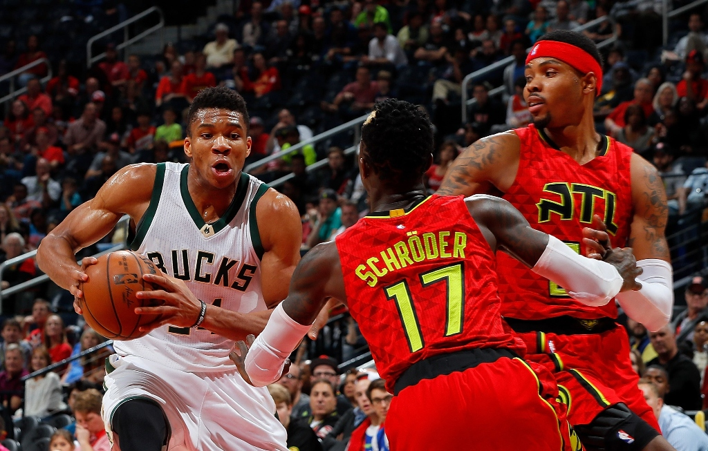 antetokounmpo also added eight rebounds and six assists but it was not good enough to prevent atlanta grabbing a win which saw them improve to 23 17 photo afp