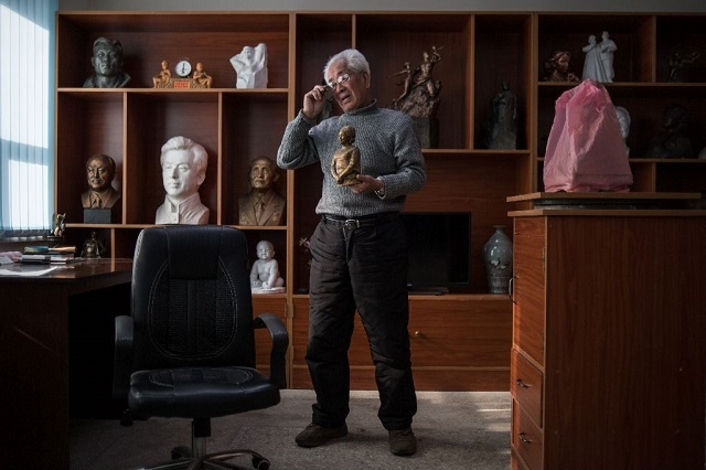 north korean sculptor ro ik hwa is among the greatest living practitioners of giant memorial statues photo afp