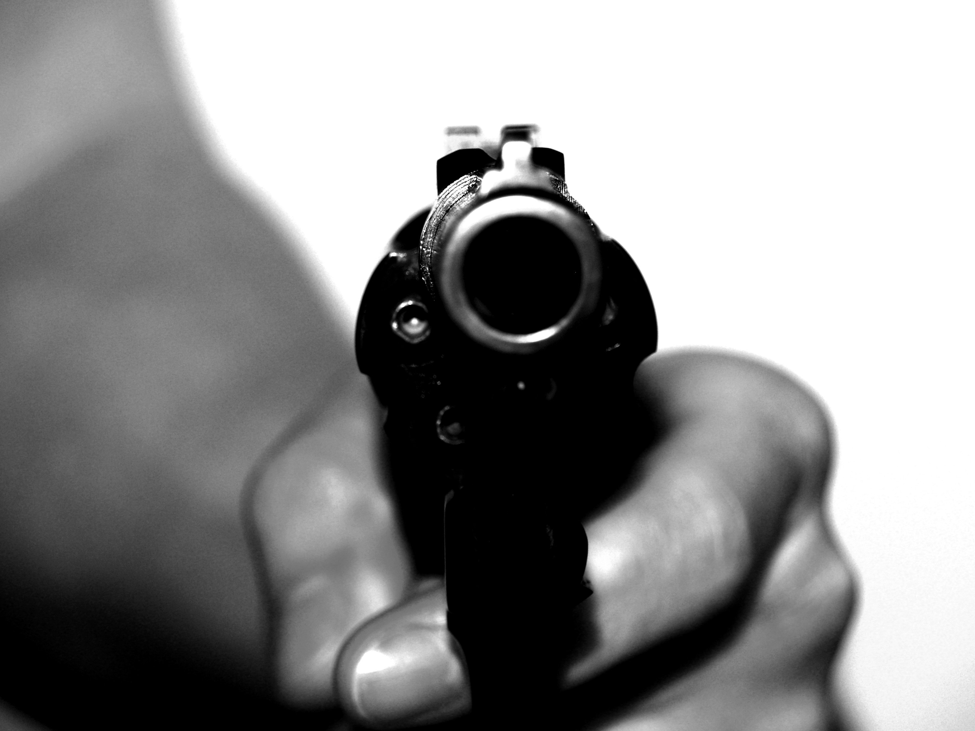 gunshot wounds three robbers injured in encounter