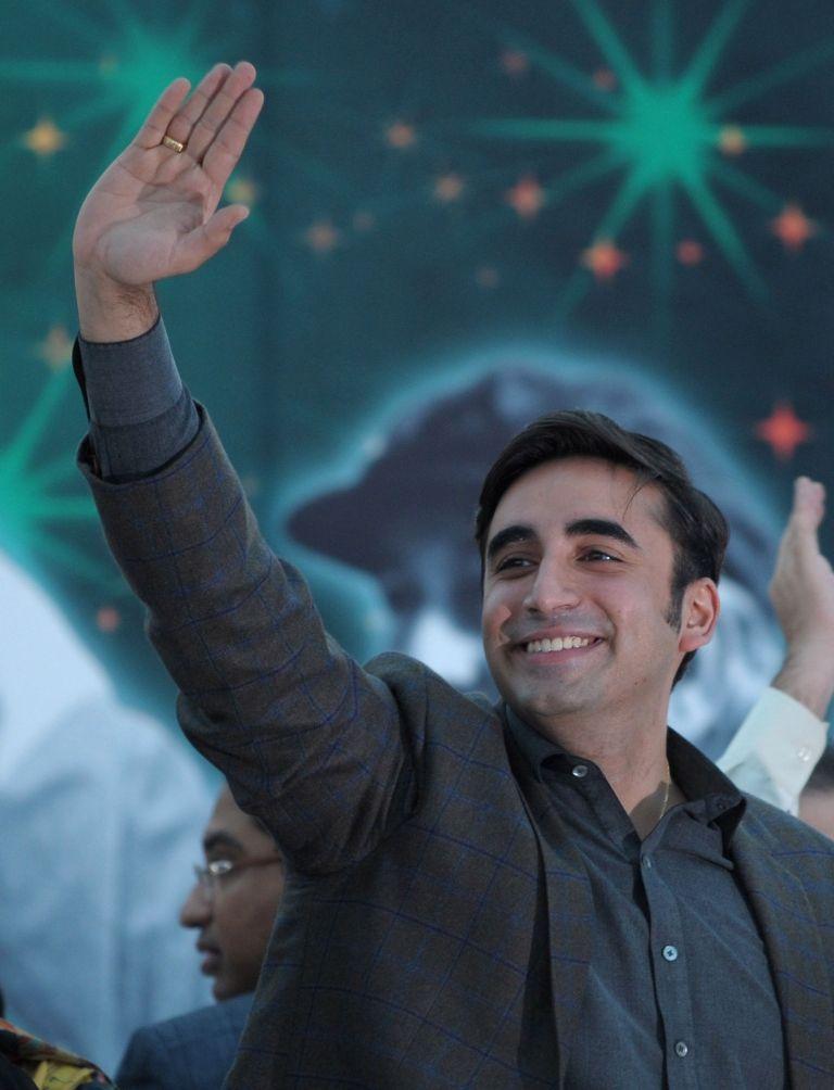 bilawal bhutto zardari kicks off rally towards faisalabad from lahore