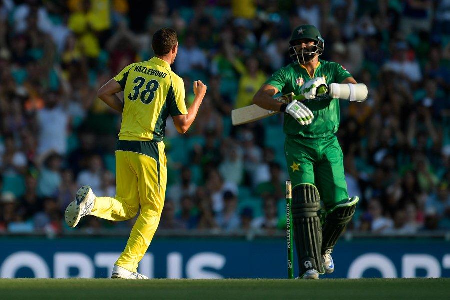 australia thrash pakistan by 86 runs to seal odi series