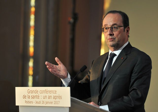 french president francois hollande delivers a speech during a conference on health at the city hall in poitiers western france on january 26 2017 photo afp