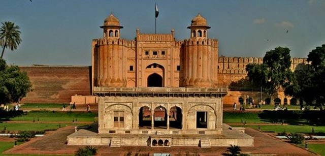 new multi storey tourism complex coming up in lahore