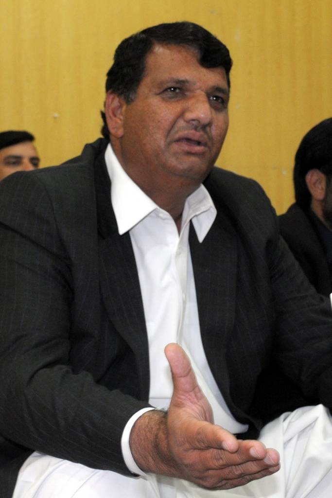 muqam to imran don t compare yourself to nawaz