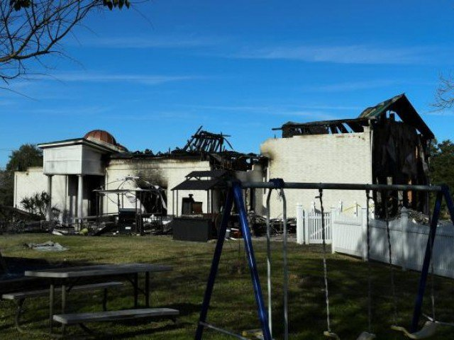 Jewish people offer Muslims keys to their synagogue after mosque burnt down. PHOTO: Reuters